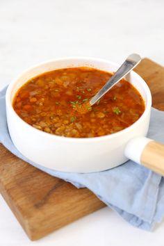 Griekse linzensoep - Lekker en Simpel Greek Recipes, Veggie Recipes, Soup Recipes, Vegetarian Recipes, Cooking Recipes, Healthy Recipes, Recipies, I Love Food, A Food