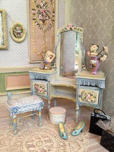 Dolls House Dollshouse.Tocador / Mirror table by aurearte on Etsy