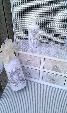 Jewelry Box Redo #lace Jewellery Boxes, Wooden Jewelry Boxes, Jewellery Storage, Dollar Store Crafts, Dollar Stores, Jewelry Boxes Wholesale, Jewelry Box Makeover, Thrift Shop Finds, Lace Painting