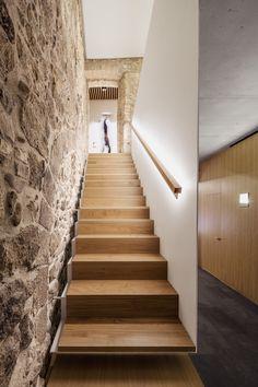 NEW ARQUIA BANCA OFFICE IN GIRONA by javier de las heras solé architect