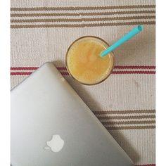 And the result is: fresh pressed orange juice  #orange #oranges #orangejuice #morning #breakfast #before #workout #mymorning #coldpressed #raw #rawvegan #vegan #vegetarian #healthy #healthyfood #eatclean #eathealthy #clean #cleaneating #fitt #fresh #fruit #Padgram