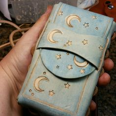 Moon and Stars #cigarette #case .  #etsy #geekculture #art #leather #Crafts #cigarettecase #tobacco #smoker #handmade #tooledleather  WorldofLeathercraft.com