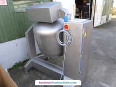 Nadratowski USED 300 Litre Vacuum Tumbler Tumbler discharges the product straight into 200 litre tote bins. Ideal for mixing and tumbling various products with or without vacuum.