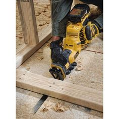 DIY Tools Dewalt Cordless Reciprocating Saw Cordless Drill Reviews, Cordless Tools, Cool Tools, Diy Tools, Best Circular Saw, Cordless Reciprocating Saw, Oscillating Tool, Speed Drills, Dewalt Tools
