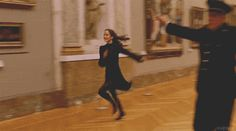 Running through the Louvre, Band of Outsiders, Jean Luc Godard.