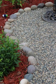 Beautiful Rock Garden Ideas for Backyard and Front Yard - Diy Garden Projects Gravel Landscaping, Landscaping With Rocks, Front Yard Landscaping, Landscaping Ideas, Gravel Driveway, Rock Garden Design, Small Garden Design, Diy Garden, Garden Ideas