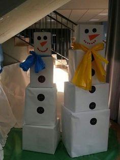 Church Bulletin Boards, Christmas Decorations, Holiday Decor, Advent Calendar, Snowman, Kindergarten, Crafty, Creative, Outdoor Decor