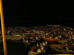 Fotografía: Justo Palma Durga, Dolores Park, Travel, Boating, Temple, Boats, Cities, Viajes, Traveling