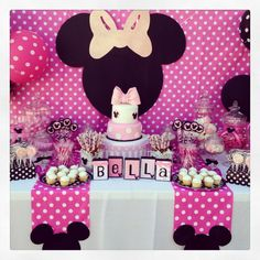 Minnie Mouse Head Customizable Cutouts Party Decor Photo Prop, Minnie Head Cutout - New Deko Sites Minnie Mouse Birthday Decorations, Minnie Mouse Theme Party, Minnie Mouse First Birthday, Minnie Mouse Baby Shower, Minnie Mouse Pink, Mickey Party, Mickey Mouse Birthday, Mouse Parties, Minnie Mouse Candy Bar