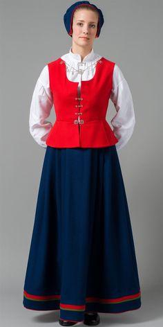Norwegian folk dress from Finnmark region Mrs Claus Dress, Norwegian Clothing, Costumes Around The World, Folk Fashion, Color Shapes, Folk Costume, Historical Costume, Scandinavian Style, Traditional Dresses