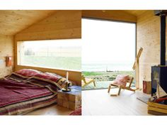 cabin - This or something better Small Living, Living Spaces, Log Cabin Living, Forest House, Cozy Cabin, Nordic Design, Cabins In The Woods, Scandinavian Interior, My Dream Home