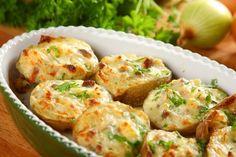ziemniaki-faszerowane-po-chlopsku Cooking Recipes, Healthy Recipes, Polish Recipes, Dinner Tonight, Salmon Burgers, Baked Potato, Potato Salad, Food And Drink, Grilling