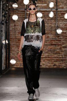 Kenneth Cole Spring 2014 Runway Show | NY Fashion Week