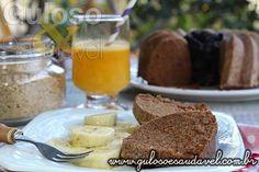 Quer um #lanche fácil, econômico e delicioso? Faça este Bolo de Ameixa e Banana Simples, é #SemGlútem e #SemLactose!  #Receita aqui: http://www.gulosoesaudavel.com.br/2014/09/19/bolo-ameixa-banana-simples/