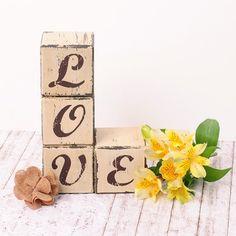 Bloques de letras LOVE de madera