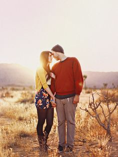 loved this couples engagement photos. simple and natural.