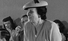 Sob a liderança de Bertha Lutz, é constituída, no Rio de Janeiro, a Federação Brasileira pelo Progresso Feminina. Lutando em favor do direito ao voto para as mulheres, foi uma das figuras mais significativas do feminismo e da educação no Brasil do século XX.