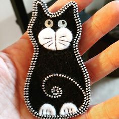 Cutest gift ever!!! My mom made this pin for me from felt and zippers. Adorable #cats #blackcats #felt #handmade
