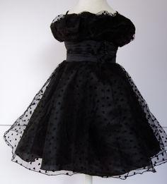Super cute black party dress!