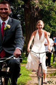 Fotograf i Viborg - Fotograf Jakob Rex, vi laver bryllupsfoto, portrætfoto, pasfoto, børnefoto, babyfoto og meget andet. Kom og besøg vores butik på Preislers Plads i hjertet af Viborg eller besøg vores hjemmeside www.jakob-rex.dk