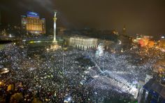 Майдан Незалежності / Maidan Nezalezhnosti (Independence Square) in Київ 01.01.2014 Happy new revolution year