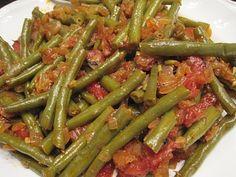 Fasolakia Yiahni (Green Beans in Tomato Sauce) | Greek Recipes