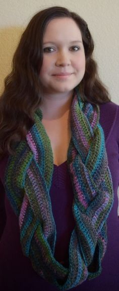 Crochet Braided Infinity Scarf - Easy and free pattern!