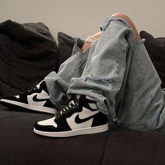 Air jordan black and white shoes sneakers Zapatillas Nike Jordan, Tenis Nike Air, Nike Air Shoes, Nike Socks, Jordan Shoes Girls, Girls Shoes, Black White Jordans, Black Shoes, Nike Vintage