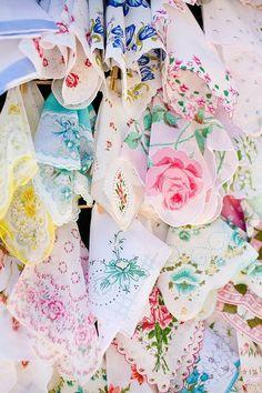 花嫁ハンカチ*結婚式のHappy Tearsは花嫁さんの最後の涙♡にて紹介している画像