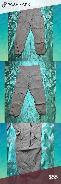 Lululemon Post Power Crop Lyocell/ Tencel Pants Lululemon Post Power Crop Lyocell/ Tencel Casual Pants. Olive green color. These pants are on the stiff side: more like regular pants, with a spandex/ Stretchy waistband. Please feel free to make an offer! ❤️ lululemon athletica Pants Track Pants & Joggers