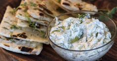 Greek tzatziki sauce by Greek chef Akis Petretzikis. The authentic Greek recipe for the famous traditional Greek tzatziki sauce served with souvlaki and gyro! Salad Recipes Video, Fruit Salad Recipes, Snack Recipes, Cooking Recipes, Tzatziki Sauce, Confectionery Recipe, Tzatziki Recipes, Greek Cooking, Healthy Snack Recipes