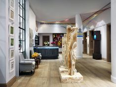Set in Manhattan's pulsing midtown and boldly conceived by the ever-inspired design doyenne Kit Kemp, The Whitby is Firmdale Hotels' Boutique Hotel in NYC