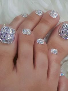 black nails - wedding nails - nails - salons near you - nails Yay or Nay ? Glitter Toe Nails, Black Toe Nails, Pretty Toe Nails, Cute Toe Nails, Metallic Nails, Gorgeous Nails, My Nails, Toe Nail Color, Nail Colors