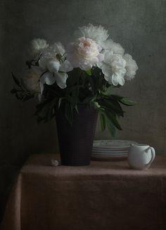 #still #life #photography • photo: с белым молочником | photographer: Inga | WWW.PHOTODOM.COM