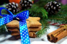 Christmas cookies with cinnamon.