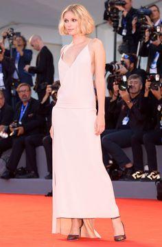 Tre look in rosa da copiare visti sul tappeto rosso della Mostra del Cinema…