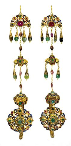 Morocco - Fez   'Khors' pair of ceremonial earrings; gold, emeralds, rubies, pearls and enamel   ca. late 18th century   15'000£ ~ sold (Apr '11)