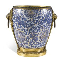 A gilt-bronze mounted blue and white Chinese porcelain cachepot the porcelain Kangxi, circa 1700, the mounts, late 19th century