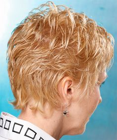 Casual Short Wavy Hairstyle with Layered Bangs - Light Golden Blonde Hair Color Short Wavy Hairstyles For Women, Short Curly Haircuts, Fancy Hairstyles, Short Hair Cuts For Women, Short Hair Styles, Curly Short, Golden Blonde Hair, Hair Beauty, Side View