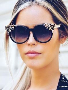 Cheap brand designer sunglasses, Buy Quality brand sun glasses directly from China brand sunglasses Suppliers: 2017 Luxury Diamond Cat Eye Shades Sunglasses Women Unique Brand Designer Sun glasses Fashion Style Sunglasses Gafas Stylish Sunglasses, Cat Eye Sunglasses, Sunglasses Women, Round Sunglasses, Diamond Decorations, Womens Glasses, Womens Fashion Online, Dame, Vintage Party