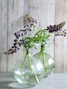 New Flowers Vase Ideas Glass Ideas Purple Wedding Bouquets, Wedding Flower Arrangements, Flower Bouquet Wedding, Floral Arrangements, Simple Flowers, Amazing Flowers, Fresh Flowers, Beautiful Flowers, Ikebana