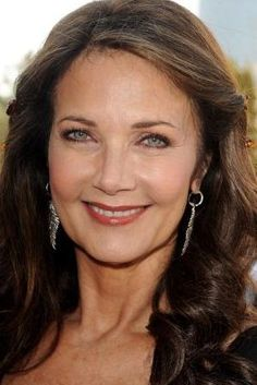 Wonder Woman, 61 Lynda Carter the secret to her youthful looks? No sun, was her answer :) I thinking a little more that that? she looks fabulous though! Linda Carter, Beautiful Celebrities, Beautiful People, Most Beautiful, Beautiful Latina, Beautiful Women, Beautiful Actresses, Wonder Woman, Looks Kylie Jenner