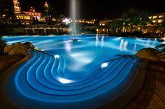 Lopesan Villa del Conde swimming pool at night, Gran Canaria #Islas Canarias @Lopesan Hotel Group