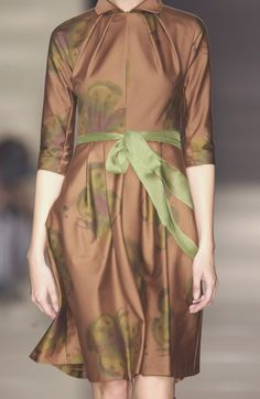 Alberta Ferretti Spring 2004 - Details