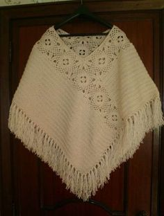 Crochet poncho shawl granny squares Ideas You are in the right place about crochet clot Crochet Poncho Patterns, Crochet Scarves, Crochet Shawl, Crochet Clothes, Crochet Stitches, Knitting Patterns, Knit Crochet, Love Crochet, Crochet Granny