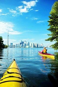 Kayaking on Toronto Island. Something I keep meaning to do but haven't yet.... @ Toronto Island. www.homesweetkaryn.com