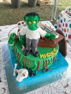 Ronnie Mouton Monster cake