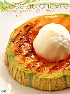Grilled melon, acacia honey & goat ice cream - - It was when I discovered white cheese made from goat milk in the fresh section of my supermarket th - Acacia Honey, Fruit Recipes, Meat Recipes, Grilled Foil Packets, Grilled Desserts, Desserts With Biscuits, Vegan Ice Cream, Grilling Recipes, Planks