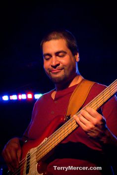 Big Smo's Bass Player...   http://photos.terrymercer.com/concerts