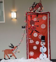 Cool 50 Amazing Christmas Door Decor Ideas.